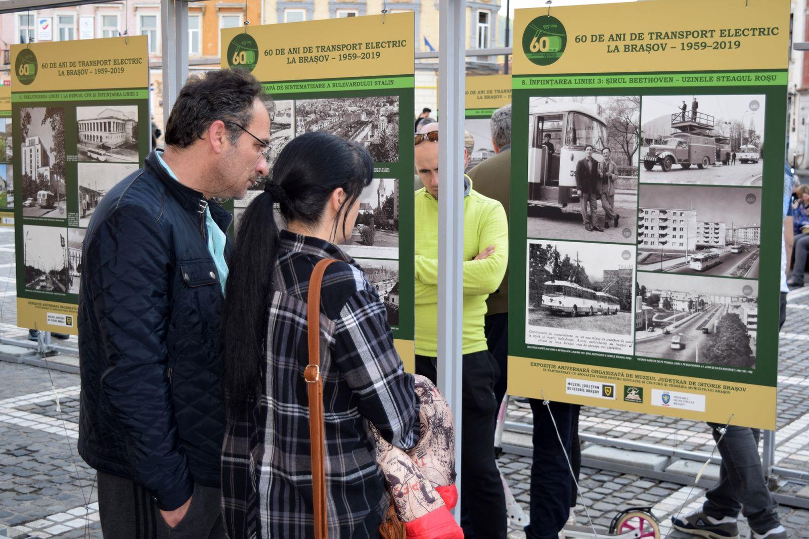 """BRAȘOV - Piața Sfatului Expoziţia aniversară ,,60 de ani de transport electric la Brașov (1959 – 2019)"""""""